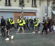 Yellow vest march